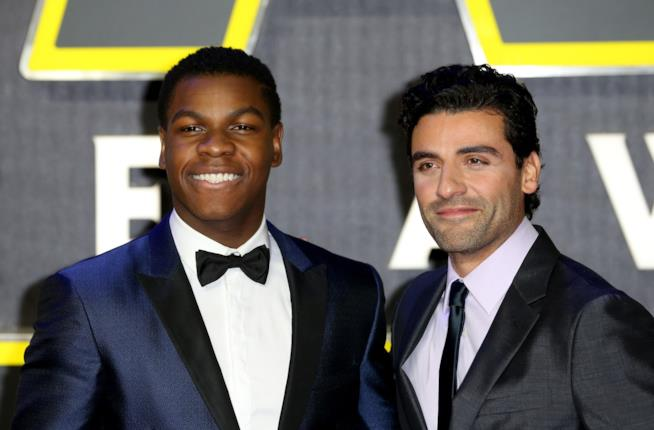 John Boyega e Oscar Isaac alla premiere di Star Wars