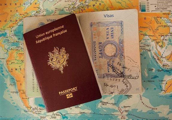 Passaporti e mappa