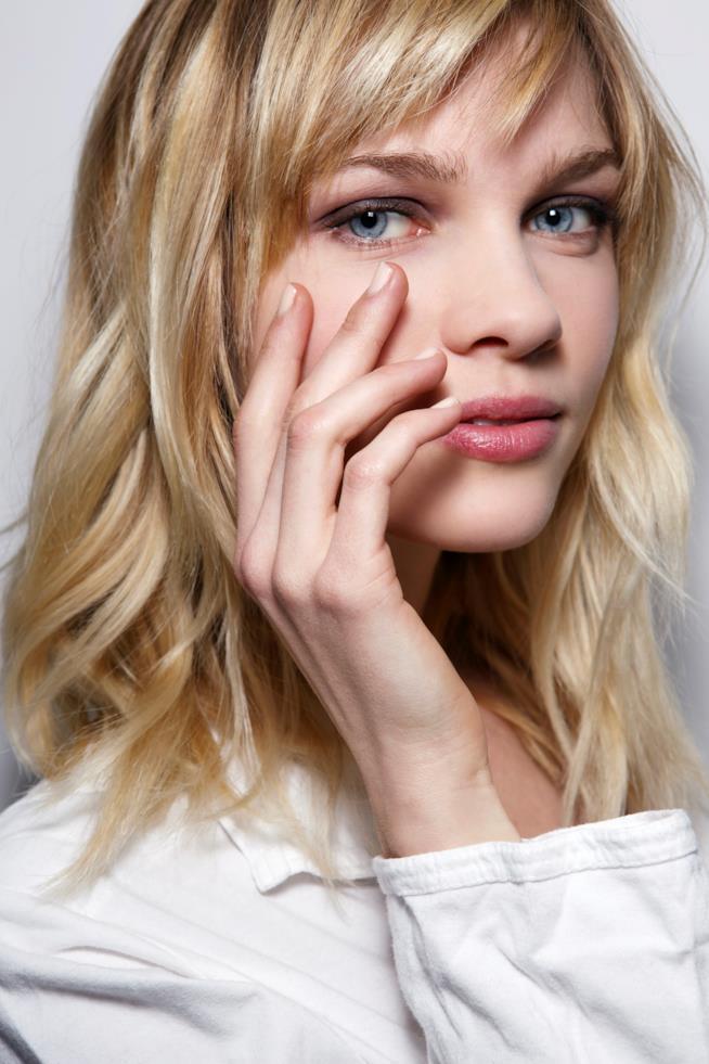 French manicure con smalto bianco e nude
