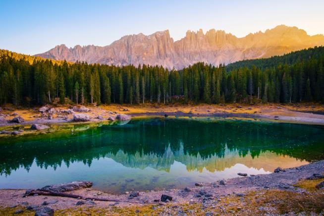 I colori autunnali del Lago di Carezza