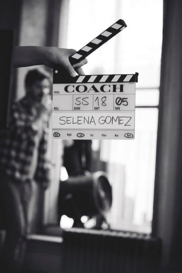 Selena Gomez nel video per Coach