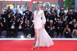 Bianca Balti sul red carpet di Venezia 74