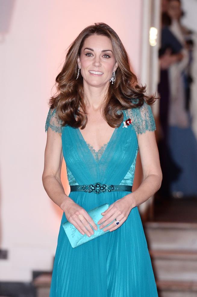 Kate Middleton con una pochette