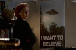 X-Files è una delle migliori serie TV dedicate al mondo della fantascienza e sugli alieni