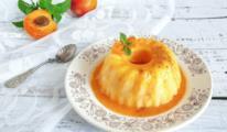 Dessert con sciroppo giallo