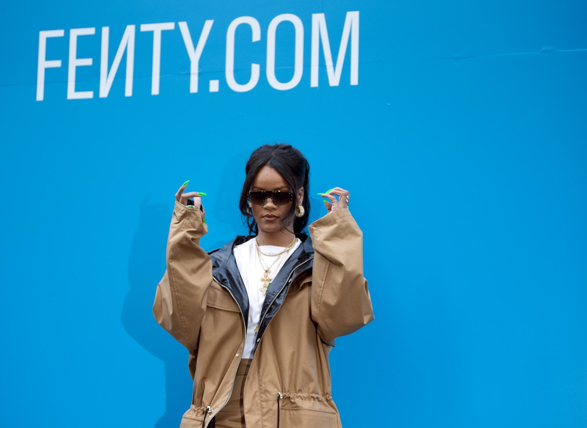 Rihanna alla presentazione esclusiva di Fenty a Parigi il 23 maggio
