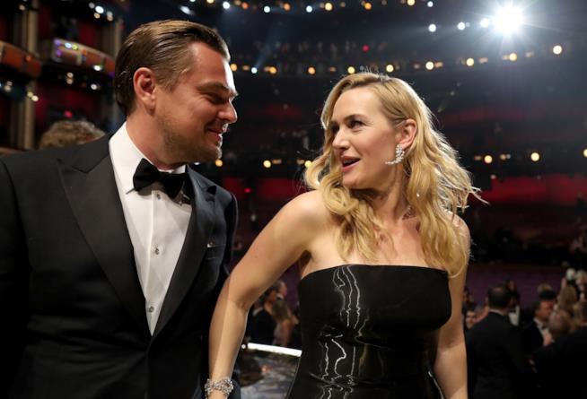 Un intenso scatto di Leonardo DiCaprio e Kate Winslet