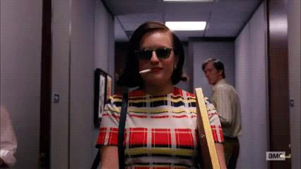 Peggy Olson in corridoio
