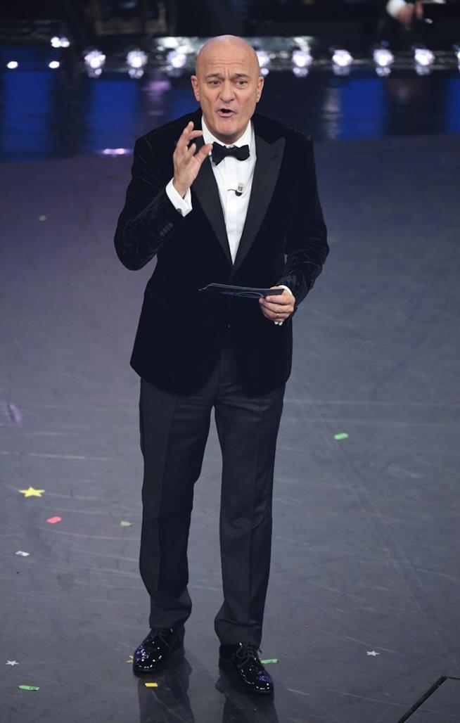 Claudio Bisio presenta Sanremo sul palco dell'Ariston