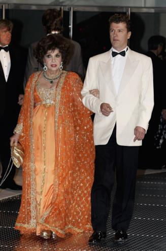 Gina Lollobrigida e il giovane Javier Rigau