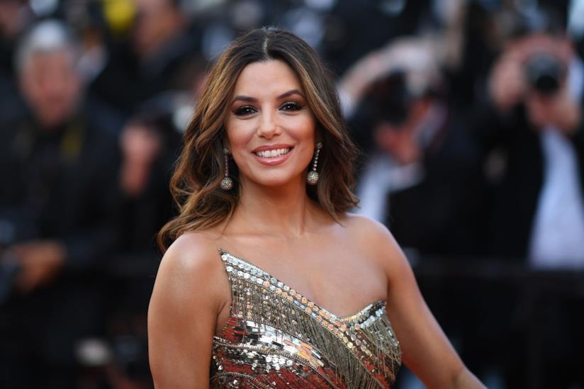 Eva Longoria sorridente a Cannes