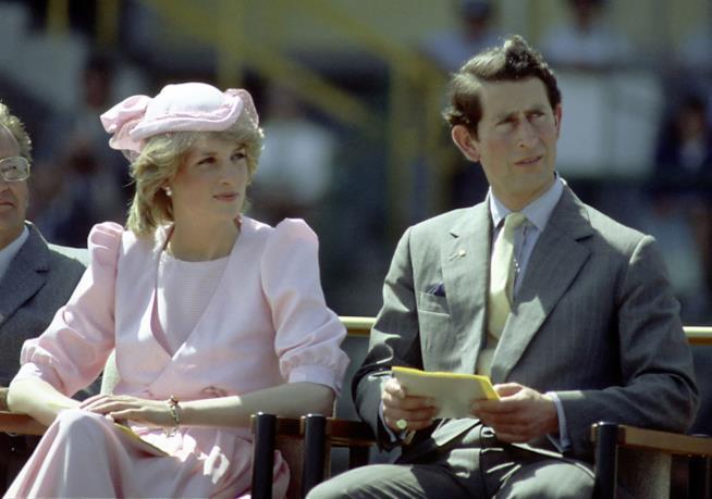 La Principessa Diana con Carlo in una vecchia foto di repertorio