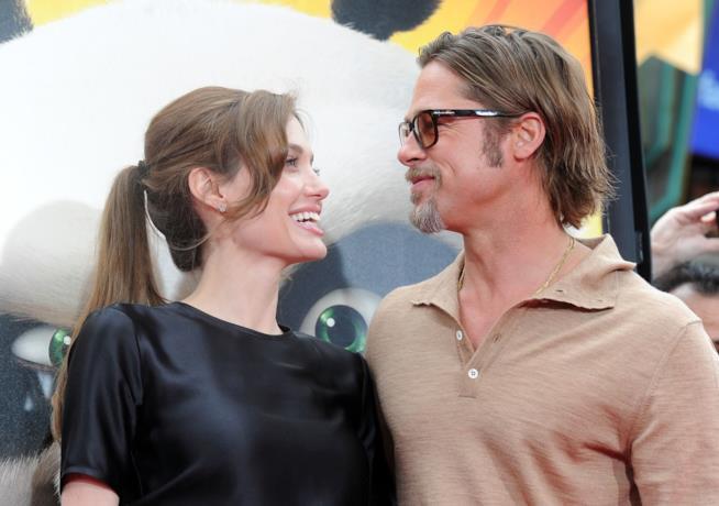 Angelina Jolie pronta a perdonare Brad Pitt, stop al divorzio