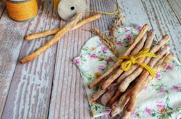 Filoncini di pasta croccante