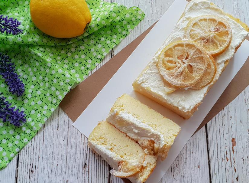 Torta con crema a frutta