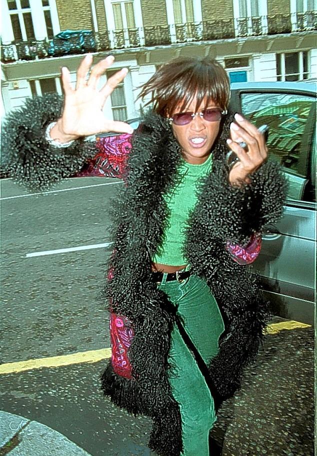 Naomi Campbell in uno dei suoi momenti di aggressività