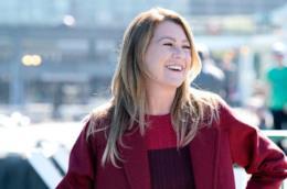 Ellen Pompeo è Meredith nell'episodio 14x07 di Grey's Anatomy