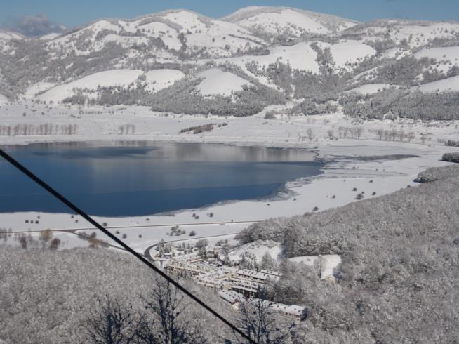 Lago Laceno durante l'inverno