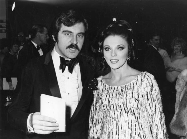 Un vecchio scatto di Anthony Newley e Joan Collins