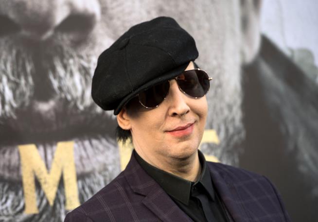 Marilyn Manson si discosta dalla condotta del suo bassista