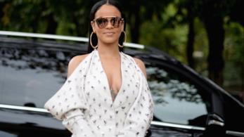 Rihanna in primo piano con occhiali da sole