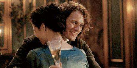 Jamie abbraccia felice Claire