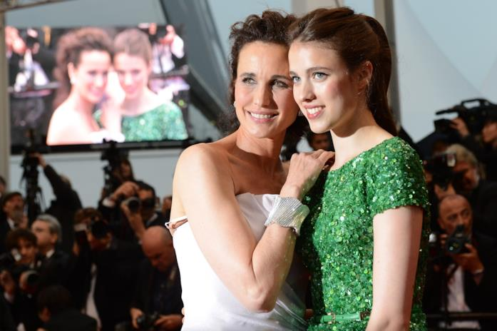 Andie MacDowell e Margaret Qualley sul red carpet