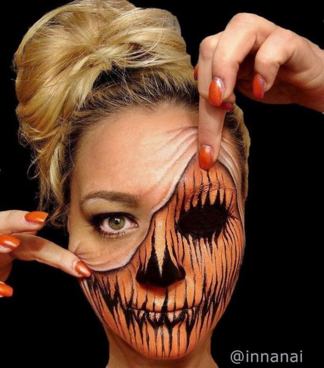 Un'illusione ottica creata con il body-painting