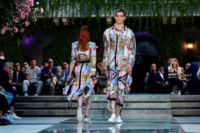 Un'immagine tratta dall'ultima sfilata di Versace a Milano