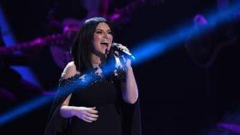 Classifica Italia 27 luglio: per Laura Pausini è di nuovo Top Ten