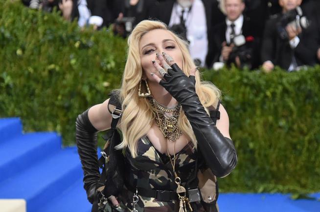 La cantante Madonna sul red carpet