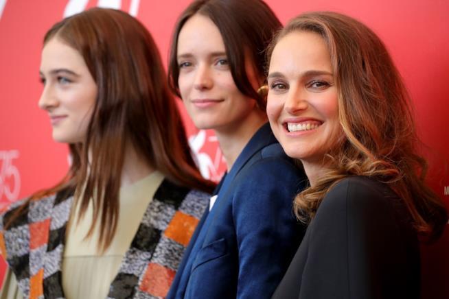 Raffey Cassidy, Stacy Martin e Natalie Portman al photocall di  Venezia 75
