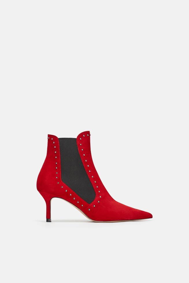 Stivaletto Zara in pelle di colore rosso
