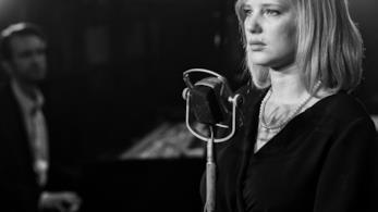 Cold War: Joanna Kulig in una scena delf ilm