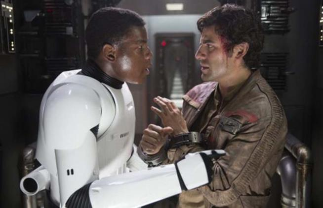 John Boyega e Oscar Isaac in Star Wars