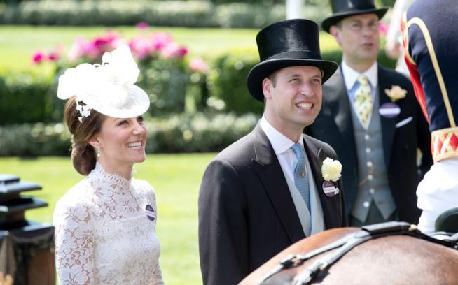 Kate Middleton e il principe William in una delle tante uscite ufficiali
