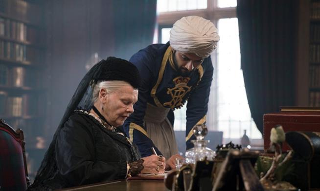 Judi Dench è la regina Vittoria in Victoria and Abdul