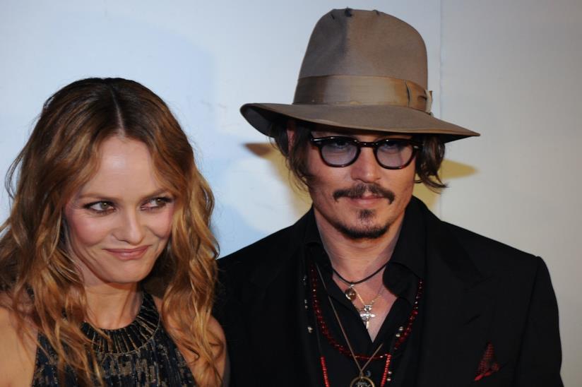 Vanessa Paradis e Johnny Depp in primo piano