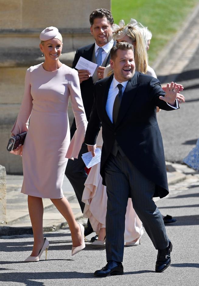 James Corden al Royal Wedding con la moglie Julie