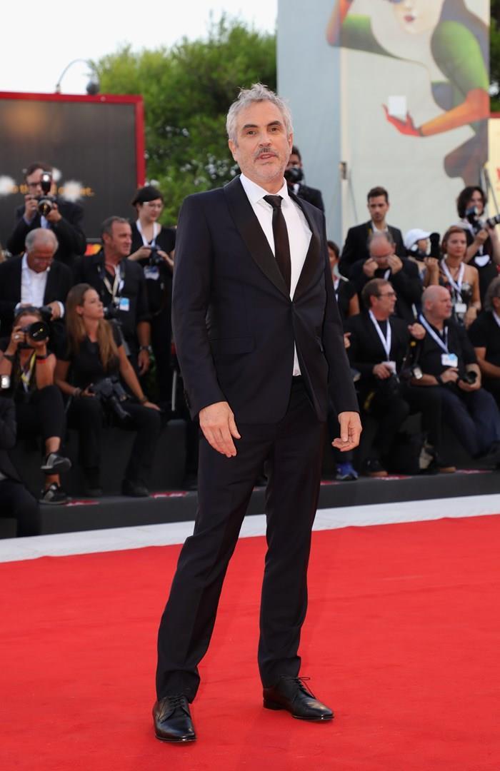 Alfonso Cuarón sul tappeto rosso a Venezia 75