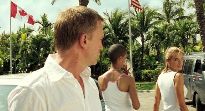 Daniel Craig e Alessandra Ambrosio in Casino Royale
