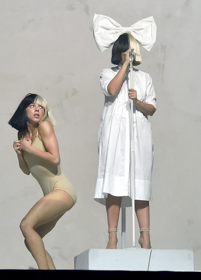 Sia e la ballerina Maddie Ziegler