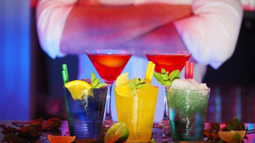 Kit per preparare cocktail per l'estate