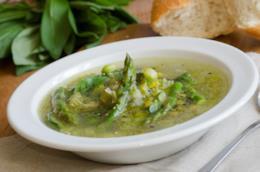 Zuppa con le fave e la cipolla