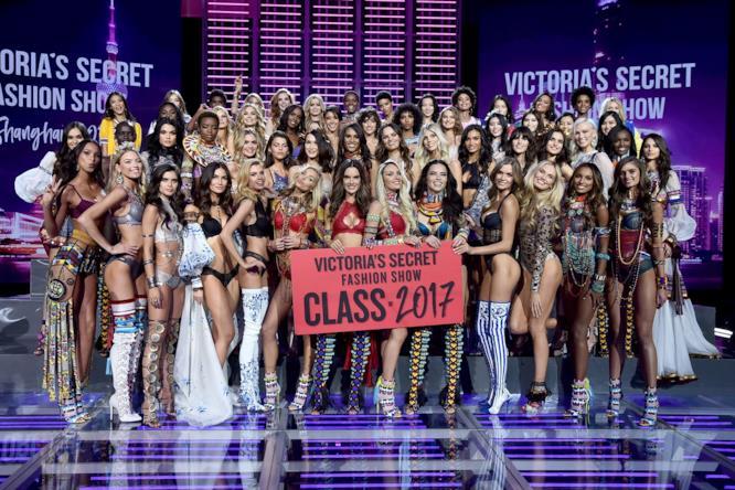 Il gruppo degli Angeli alla sfilata Victoria's Secret