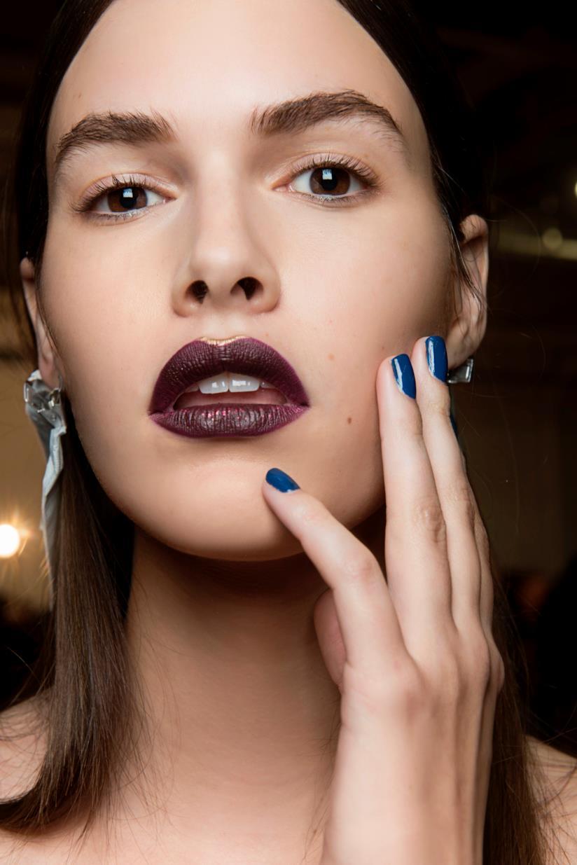 Nail art gel blu elettrico