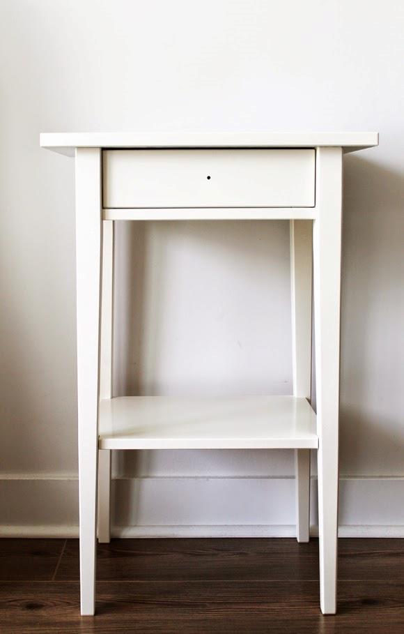 Il tavolino dell'Ikea serie Hemnes