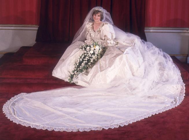 Lady Diana in abito da sposa