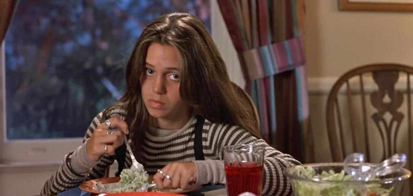 Eliza Dushku in una scena di True Lies