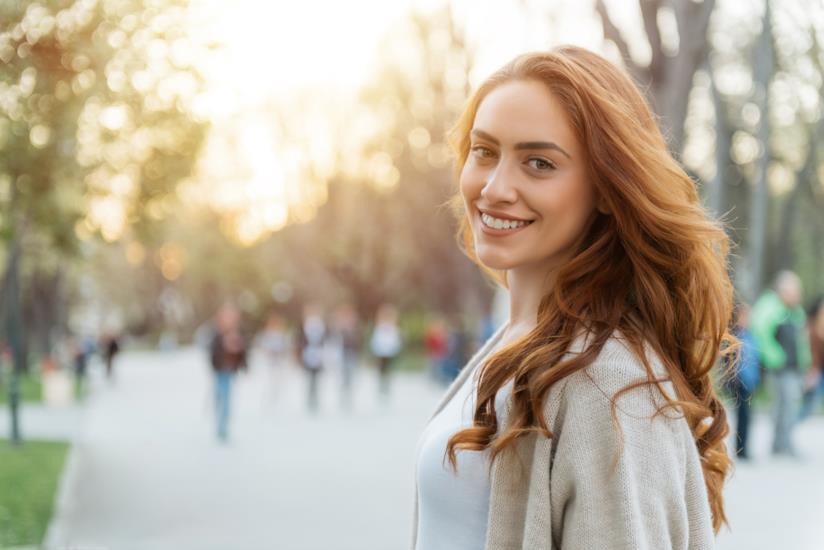 Le donne sono più sorridenti nelle immagini dei siti di incontri online